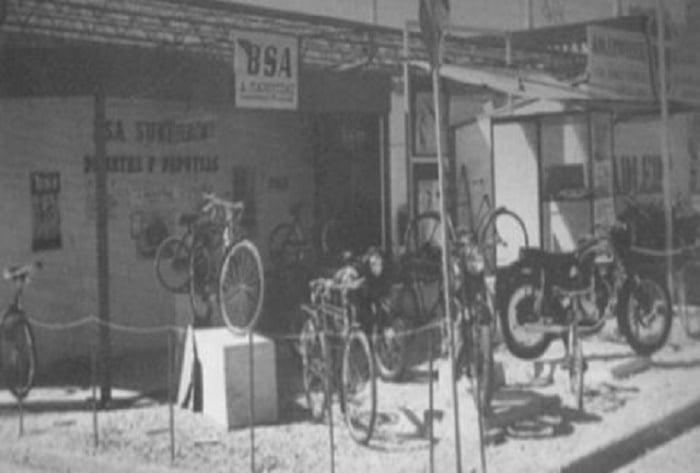 Το πρώτο συνεργείο μοτοσυκλέτας